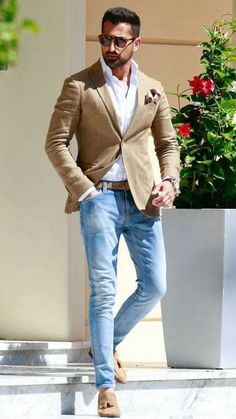 This tan sport coat with matching belt, shoes and faded blue jeans is a must have for your mens fall and summer 2018 wardrobe! #menswear #mensfashion #fashion #summer #menstyle #streetwear #streetstyle #bespoke #giorgentiweddings