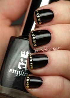 dot french manicure