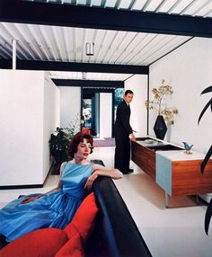 "1950's California modern by architecture photographer Julius Shulma. Image: Photograph of Case Study House #21.     Mid-century modernism is ""both a historical milestone and a living, breathing ideal, reflected in much of today's best design and architecture."""