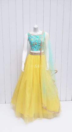 Indian Fashion Dresses, Indian Gowns Dresses, Dress Indian Style, Indian Designer Outfits, Pakistani Dresses, Designer Lehnga Choli, Designer Anarkali Dresses, Designer Bridal Lehenga, Indian Bridal Lehenga