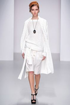 Daks Spring 2014 Ready-to-Wear Collection Slideshow on Style.com