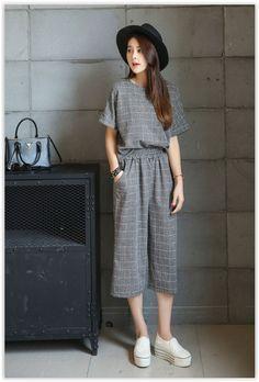 Fashion street - set: short-sleeve plaid top + cropped wide leg pants us Korean Fashion Summer, Korean Fashion Trends, Korean Street Fashion, Japanese Fashion, Asian Fashion, Curvy Fashion, High Fashion, Casual Outfits, Fashion Outfits
