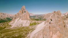 Krátky zostrih z mojej cesty cez Alpy.  My solo roadtrip across the Alps last summer.  https://youtu.be/Nj1CcINclMY