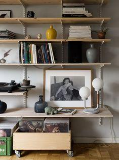 Interior Garden, Home Interior Design, Interior And Exterior, Wall Shelves, Shelving, Room Decor, Wall Decor, Living Spaces, Living Room