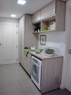 Um móvel perfeito para uma área de serviço bem organizada (se a sua for menor, adapte a ideia! Laundry Room Remodel, Laundry Closet, Laundry Room Storage, Laundry Room Design, Compact Laundry, Small Laundry Rooms, Smelly Laundry, Diy Storage Shelves, Laundry Room Inspiration