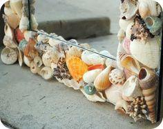 Sea Shell Mirror Tutorial- I wanna make this! Seashell Projects, Seashell Crafts, Beach Crafts, Fun Crafts To Do, Diy Crafts, Beach Theme Bathroom, Shell Frame, Pottery Barn Inspired, Shell Art