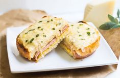 Croque-monsieur au jambon et boursin WW - Plat et Recette - Expolore the best and the special ideas about French recipes Waffle Recipes, Ww Recipes, Light Recipes, Brunch Recipes, Dinner Recipes, Fast Recipes, Cas, Easy French Recipes, Breakfast Sandwich Recipes