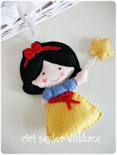Bildiğimiz pamuk prenses,bir tek cücelerimiz eksik :)   Flickr – Compartilhamento de fotos!