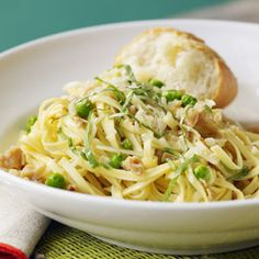 Linguine with Garlicky Clams and Peas | MyRecipes.com