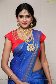 Shalu Chourasiya actress thunder thighs sexy legs images and sexy boobs picture and sexy cleavage images and spicy navel images and sexy b. Beautiful Girl In India, Most Beautiful Indian Actress, Beautiful Saree, Beautiful Women, Beauty Full Girl, Beauty Women, Indian Photoshoot, Saree Models, Indian Celebrities