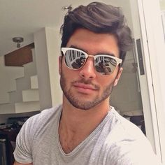 Cool Beard Styles For Handsome Men In This Year, The faded beard has changed into a popular style for hipster guys. A complete beard just increases the trendy appearance. Best Beard Styles, Hair And Beard Styles, Beard Styles For Teenagers, Marcello Alvarez, Top Male Models, Nick Bateman, Moda Blog, Awesome Beards, Men's Grooming
