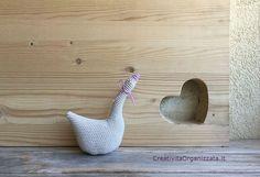 Swan pattern in crochet in Italian. : M & M& amigurumi – Video Tutorial in Italian. Dou Dou, Crochet Birds, Swan, Free Pattern, Knitting, Diy, Italian Pattern, Amigurumi, Patterns