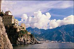 History awaits on the #Amalfi Coast. #Europe