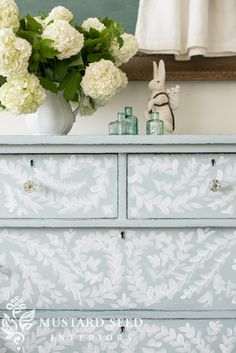 miss mustard seed | hand painted robin's egg blue dresser | miss mustard seed gives an antique dresser a makeover with miss mustard seed's milk paint in a custom color using Eulalie's Sky and Shutter Gray. Learn how to hand paint furniture with her easy tutorial.