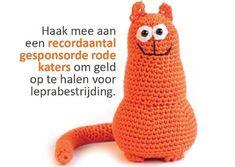 Rode poes of kat haken, of de rode kater, die niet zo groot is, maar een amigurumi maatje heeft (13 cm hoog). Hier vind je gratis Nederlandse haakpatronen