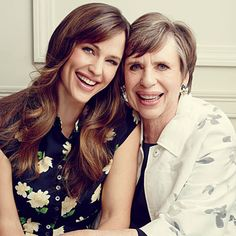Jennifer Garner: The SL Photoshoot | If Jennifer Garner seems like the real deal, it's because she is. And that's thanks to her mama, Patricia, who raised Jen with good Southern values in West Virginia.
