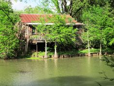 Bayou house... a good inspiration for a setting for a short story.