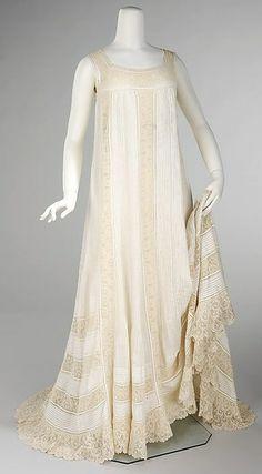 Retro Rack: Nightgown  1905  The Metropolitan Museum of Art