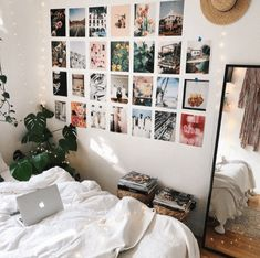 Minimalist Dorm Room is unique college dorm room decor essentials to get you ready for back to school. Minimalist Dorm Room is unique college dorm room decor essentials to get you ready for back to school. Apartment Decoration, Apartment Bedroom Decor, Dorm Decorations, College Bedroom Decor, Interior Livingroom, Decor Room, Apartment Interior, Apartment Living, Home Decor
