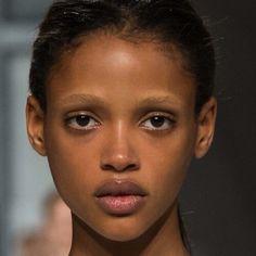 Aya Jones Aesthetic Beauty, Black Girl Aesthetic, Aesthetic Makeup, Pretty People, Beautiful People, Bleached Eyebrows, Brown Skin Girls, Model Face, Fashion Face