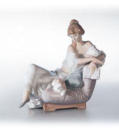 LLADRO - READING COMPANIONS  Issue Year:   2001    Retirement Year:   2003    Sculptor:   Juan Huerta