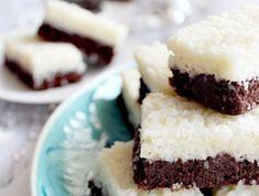 Kókuszos sportszelet - sütés nélkül! Recept képpel - Mindmegette.hu - Receptek Cake Recipes, Dessert Recipes, Desserts, Sweet And Salty, Winter Food, Food Inspiration, Breakfast Recipes, Fudge, Cheesecake