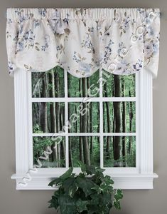 Chatsworth 70x17 Lined Scalloped Valance