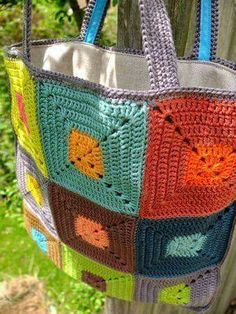 Just a pic–but how inspiring–love the color combos and the neutral gray pullin… – Granny Square Crochet Diy, Love Crochet, Bead Crochet, Crochet Motif, Crochet Flowers, Bag Patterns To Sew, Sewing Patterns, Crochet Patterns, Crochet Handbags