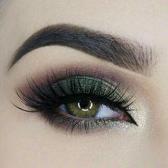 Sobra color.verde militar con gliter y ahumado café y negro