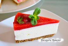 Cheesecake cu capsuni Cheesecake, Desserts, Recipes, Food, Jello, Meal, Cheesecakes, Deserts, Food Recipes