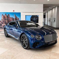 Image Blue Bentley Continental GT in Exotic Cars album Luxury Sports Cars, Top Luxury Cars, New Sports Cars, Luxury Suv, Sport Cars, Luxury Sedans, Motor Sport, Bentley Auto, New Bentley