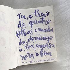 """""""..pedaço de sonho que faz meu querer acordar pra vida.. ai ai ai.."""" _ #anavitoria #trevo #trevodequatrofolhas #musica #amorderabisco #aqualine #citações #roxo #aquarela #lilas #moderncalligraphy #conversa #domingo #tu #art #rabisco #caligrafiamoderna"""