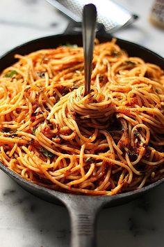 Italian Food ~ #food #Italian #italianfood #ricette #recipes ~ Simple Spaghetti Fra Diavolo