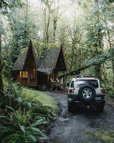"""Returning home after a full day of adventures. Inside the stove is crackling, food is cooking, and clothes are drying. There's always good times to be had in the PNW. """"Cabin designed and built by 🙏🏽 Lofts, Log Cabin Homes, Log Cabins, Cabins And Cottages, Country Cottages, Cozy Cabin, Cabins In The Woods, My Dream Home, Weekend Vibes"""