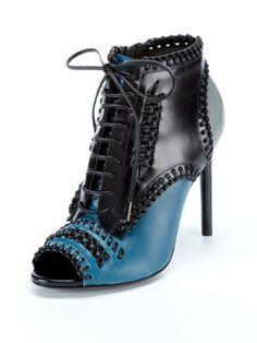 Shoe Guide: Size 7
