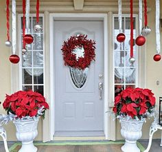 Decorating Pictures Of Landscaped Front Yards Big Lots Christmas Decorations Where To Buy Christmas Decorations 600x563 Decorating Outside For Christmas Small Front Yard Landscaping Ideas