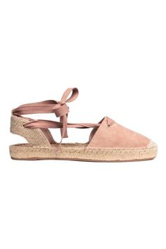 Espadrilles in imitation suede and jute with lacing that ties around the ankles. Jute insoles and rubber soles. Lace Up Espadrille Sandals, Lace Up Espadrilles, White Sandals, Ankle Strap Sandals, Shoes Sandals, Ladies Espadrilles, Pink Sandals, Closed Toe Summer Shoes, Closed Toe Sandals