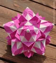 Tip: Papers I usually buy on Ebay or Origami Shop. Japanese books I tend to buy from CDJapan. Mrs. Minayeva gave me her kind permission to make a video tutorial of her so beautiful Shalimar kusudama. This amazing kusudama is put together with 60 modules – which make up this great cone shaped twirl design. …