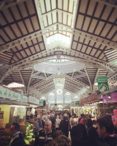 In der Markthalle von #valencia bekommst du alles! Vom frischen Gemüse über Fisch ist alles vorhanden!  #mercado #market