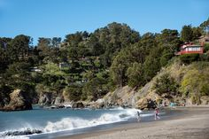 Hello from Muir Beach. The town's 150 homes, many with commanding ocean views, perch on a hillside overlooking Muir Beach Cove. Muir Beach Cove is a popular spot for boogie boarding, kayaking, and fishing. Learn more: http://pacunion.us/MuirBeach