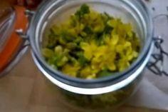 SVATOJÁNSKÝ OLEJ/třezalkový olej - zázrak pro bolavé klouby, svaly a šlachy Guacamole, Grains, Rice, Ethnic Recipes, Food, Youtube, Syrup, Eten, Seeds