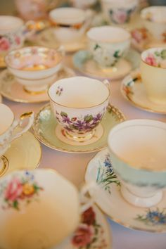 mix matched vintage china; makes me think of Alice in Wonderland