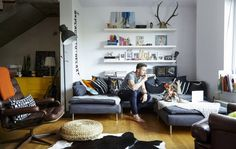 Home tour: Jerzy and Anna's architectural open-plan house is their perfect family home - IKEA Ikea Living Room, Living Spaces, Colorful Apartment, Open House Plans, Separating Rooms, Gravity Home, Ikea Home, Home Furnishings, Home And Family