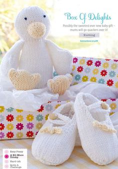 Proud parents are sure to go quackers over these delightful baby shoes with decorative bows and matching yellow-beaked duck toy. When boxed up, these knitting patterns will make the sweetest new baby gift. Baby Booties Knitting Pattern, Baby Knitting Patterns, Baby Patterns, Free Knitting, Merry Christmas, Duck Toy, Homemade Toys, Free Baby Stuff, New Baby Gifts