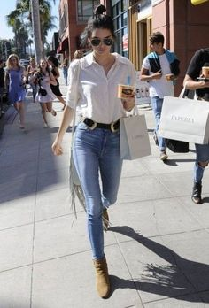 Kendall Jenner Photos - BFFs Kendall Jenner and Gigi Hadid spend their day together in Beverly Hills, California on July The pair did some shopping before stopping to get some frozen yogurt. - Kendall Jenner & Gigi Hadid Enjoy a Day in Beverly Hills Style Outfits, Casual Outfits, Cute Outfits, Fashion Outfits, Fashion 2015, Winter Outfits, Summer Outfits, Fashion Hacks, Paris Fashion