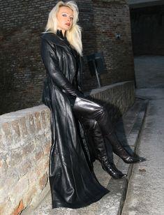Long Leather Coat, Leather Pants, Black Leather, Crazy Outfits, Fall Outfits, Leder Outfits, Leather Fashion, Long Black, Mistress