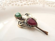 Royal Gold Hairpin, bridal hairpin, jewelry, Hair Clip, Hair pin, Amazing Vintage Style Hair Clip with Pearls & Stone, Bobby Pins http://etsy.me/2ENpaPB #accessories #hair #green #red #rhinestonepins #clip #bobbypi#saraattali