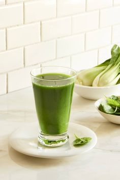 Sweet Tempered Greens Juice - Are you looking for delicious juice fast and detox fasting recipes? This delicious alkaline bok choy, cucumber, parsley & mint juice is refreshing and delicious