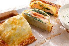 Wenn man am Vortag etwas mehr Zeit hat, lässt sich diese Pastete wunderbar vorbereiten und muss dann nur noch gebacken werden.