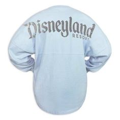 If you've been around any of the Disney Parks lately you've probably seen a ton of people wearing the Rose Gold Spirit Jersey or Millennial Pink Spirit Jersey. Cute Disney Outfits, Disneyland Outfits, Disney Bound Outfits, Disney Inspired Outfits, Disneyland Trip, Disneyland Resort, Disney Style, Disney Clothes, Disney Home